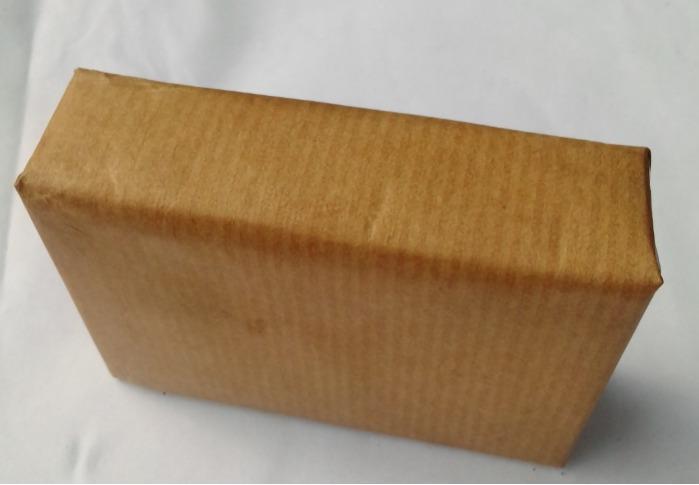 Savon exfoliant COCO MIEL - savon naturel, saponifié à froid, fait à la main avec des ingrédients naturels