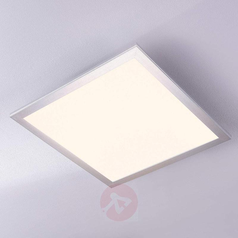 Square LED ceiling light Liv, 28 W - Ceiling Lights
