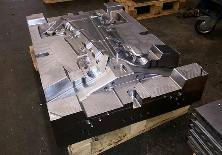 CNC fina obdelava gravurnih oblik -