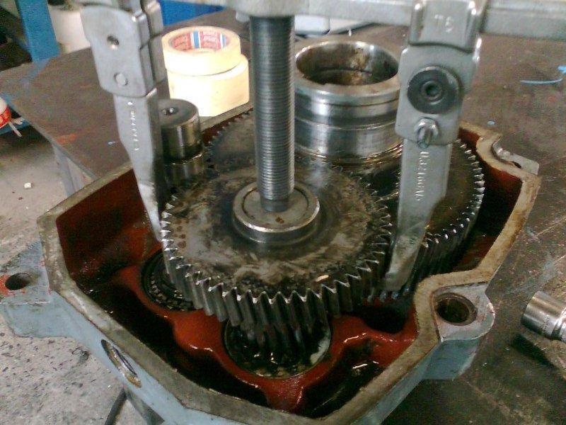 Révision réducteur pendulaire Hansen - Maintenance électro-mécanique en atelier