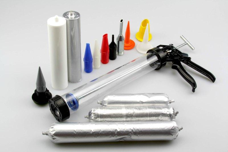 Manuelle Pistolen für 1-K Klebstoffe