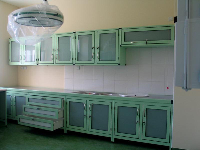 Szafki, meble medyczne na zamówienie - system Alumeb
