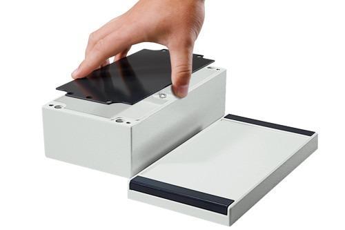 aluPLUS - Un contenitore moderno in alluminio pressofuso per applicazioni elettriche.