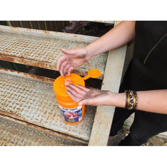 Lingettes imprégnées en non tissé multi-usage seau de... - Hygiène et entretien