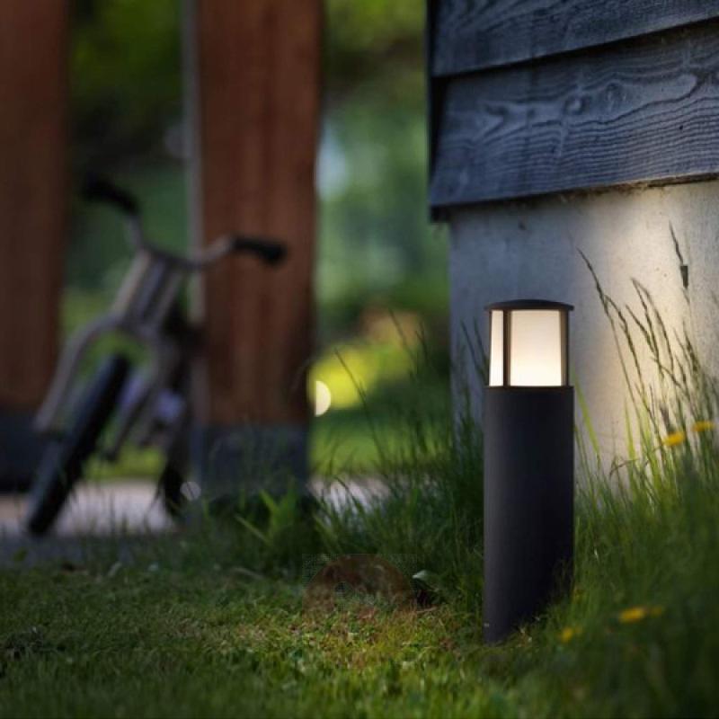 LED pillar light Stock in a modern lantern design - outdoor-led-lights
