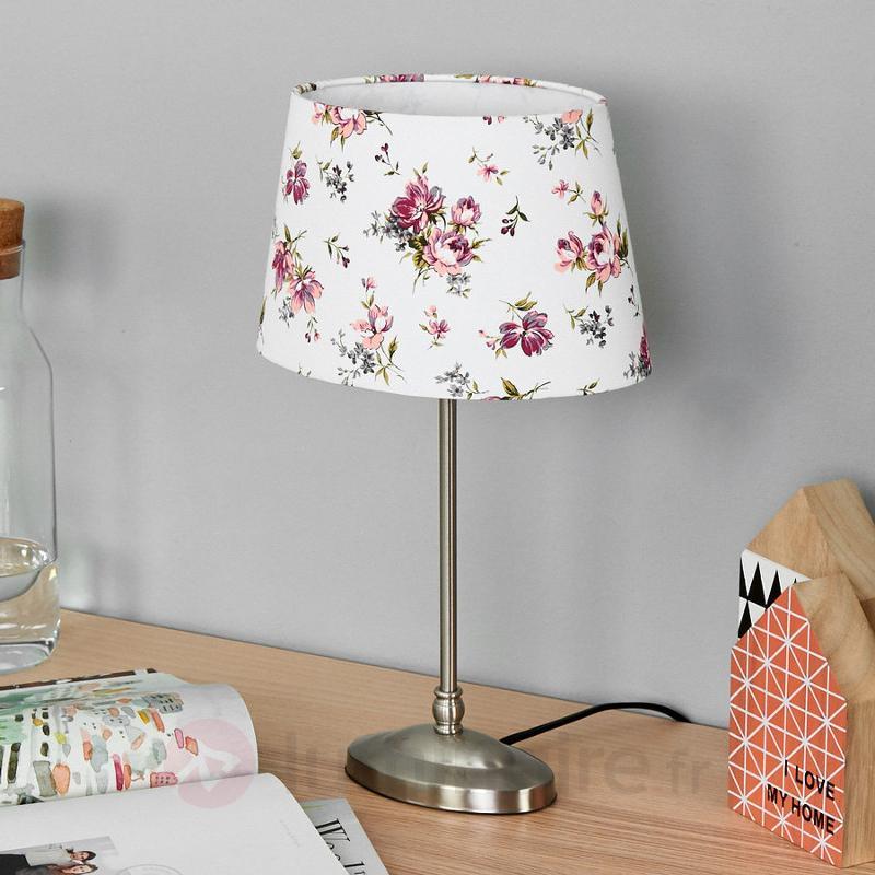 Magnifique lampe à poser Cornwall, abat-jour blanc - Lampes à poser en tissu