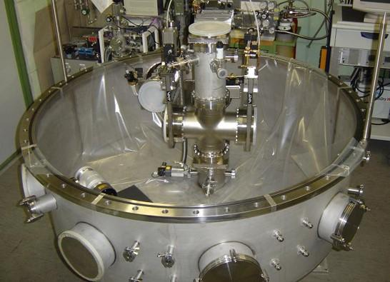 Vacuum chambers and vacuum apparatuses - for the vacuum technology