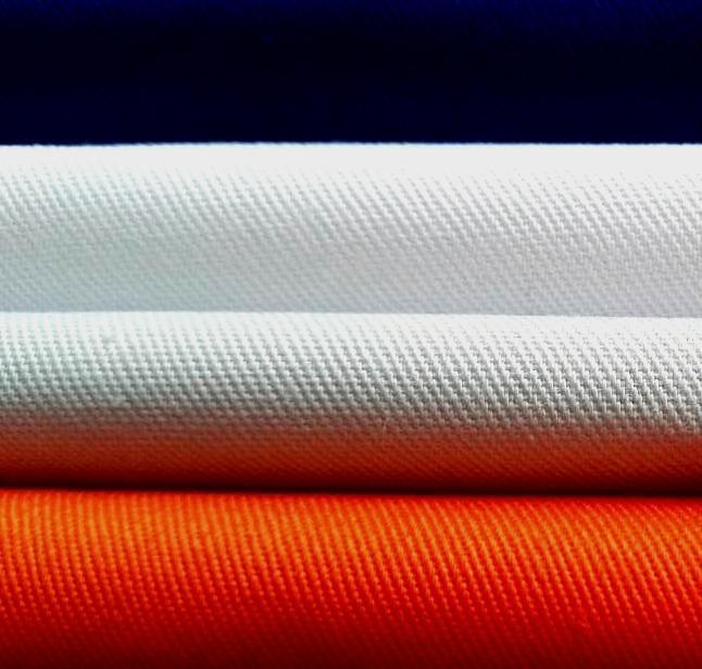 poliester65/bawełna35  - dobry kurczenie się, gładki powierzchnia, dla koszula