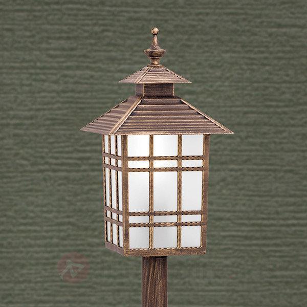Borne lumineuse traditionnelle ILKA, lanterne - Toutes les bornes lumineuses