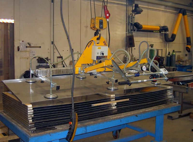Vacuum lifter for horizontal handling - null