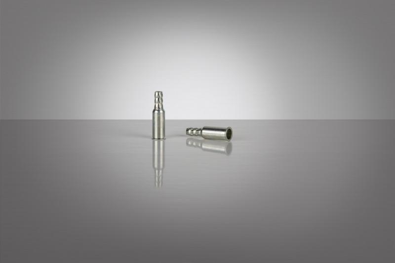Ecrous à sertir avec raccord pour flexible - Ecrous à sertir avec raccord pour flexible