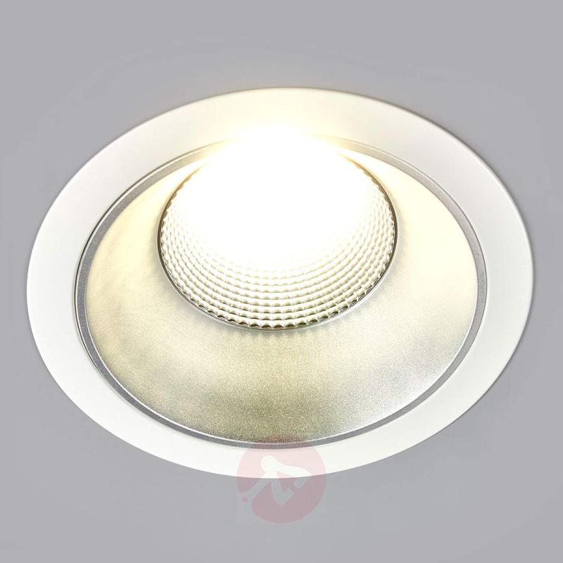 Large, bright Jannis LED downlight - indoor-lighting