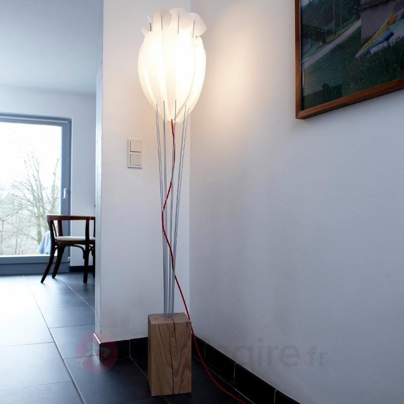 Élégant lampadaire Tulip - Lampadaires en bois