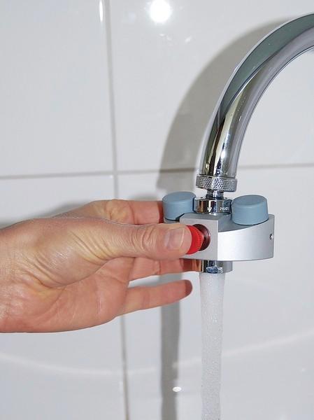 Eyes Fresh mini eyewash station - Protective equipment for industry & laboratory