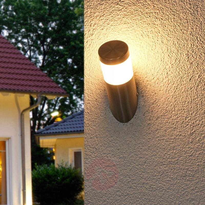 Slanting LED outdoor wall lamp Belina - outdoor-led-lights