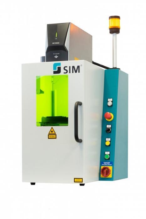 Automatisiertes Laserbeschriftungssystem SIM-Marker Mini - Lasermarkiersystem zur Beschriftung ihrer Produkte verschiedenster Materialien
