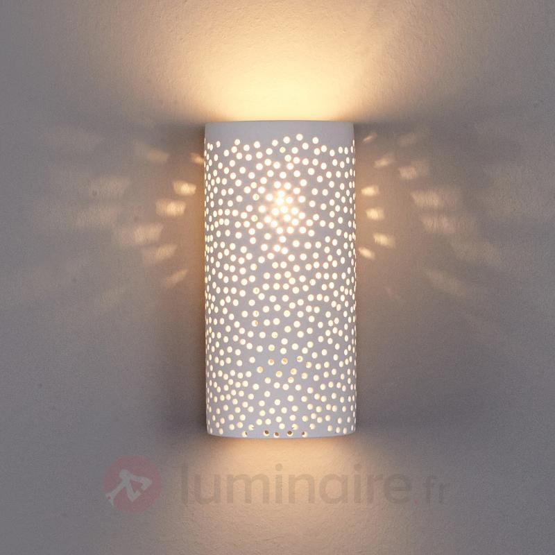 Applique à motif à trous Jiru en plâtre blanc - Appliques en plâtre