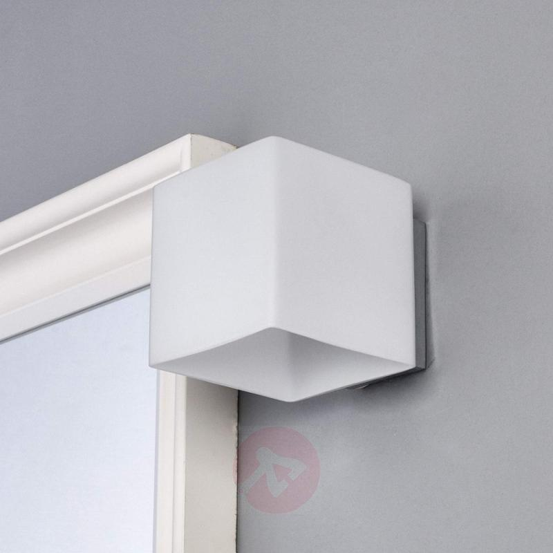 Kirsa - lovely LED wall light for the bathroom - indoor-lighting