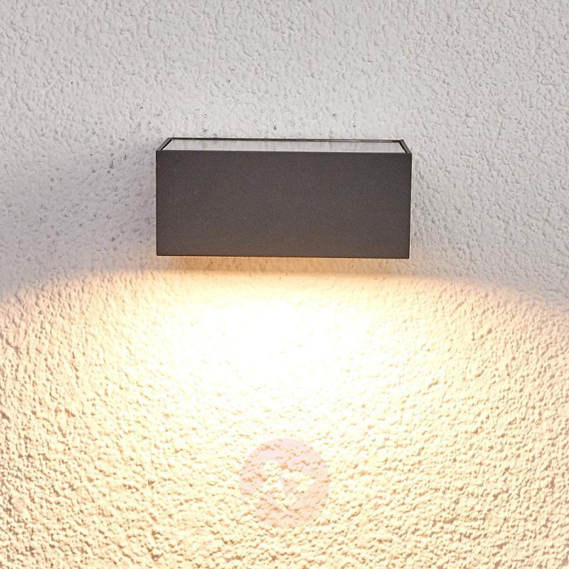 Solar-powered LED outdoor wall light Mahra, sensor - outdoor-led-lights