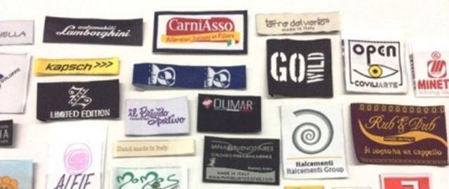Etichette tessute per abbigliamento  -
