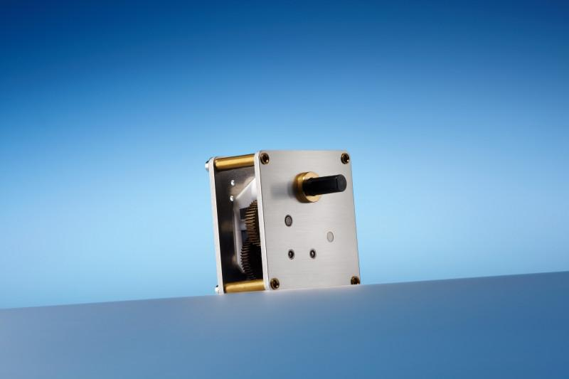 Low backlash spur gear N 64 V 30 - Very compact spur gearbox with rugged circuit board design up to 3 Nm