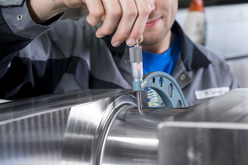 Testing for Cracks and Hardness Test on Shafts/Crankshafts - Service for shafts and crankshafts