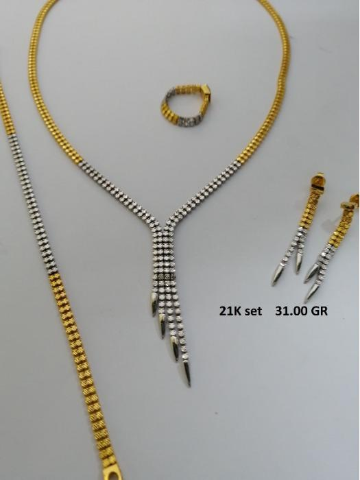gold jewelery -