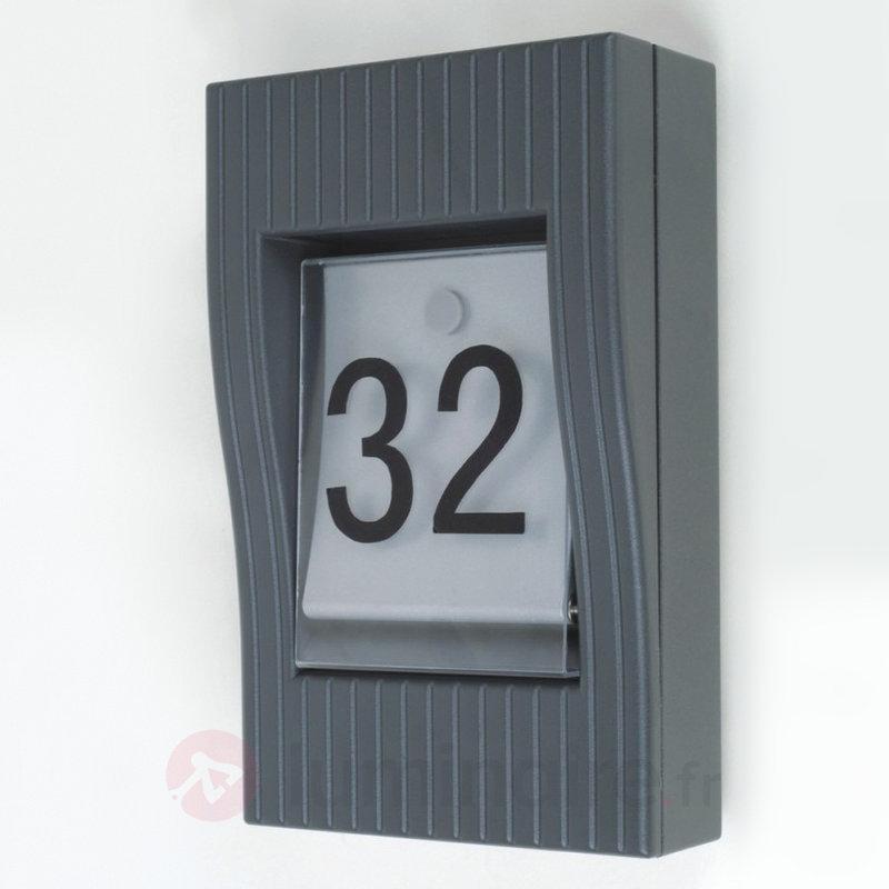 Applique d'extérieur design basse conso LATIF - Numéros de maison lumineux