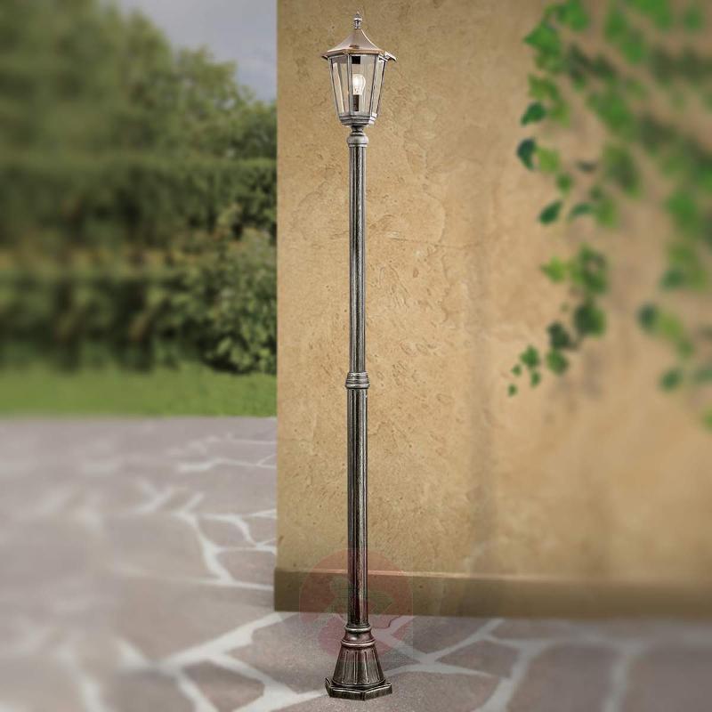 Antonie Post Light Traditional - Pole Lights