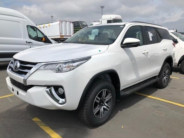 Toyota Fortuner 2.7l At Medium - Cars
