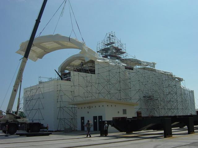 Encapsulations and systems with shrink film - Used in shipyards, ship repairs and oil rig repairs