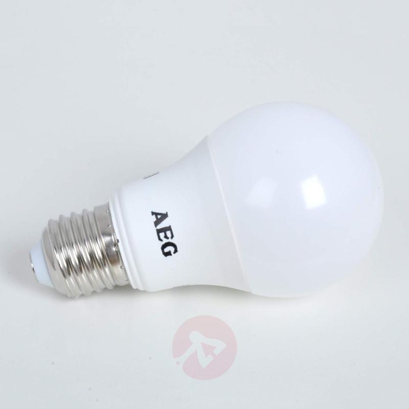 E27 8.8 W 827 LED lamp, matt - light-bulbs