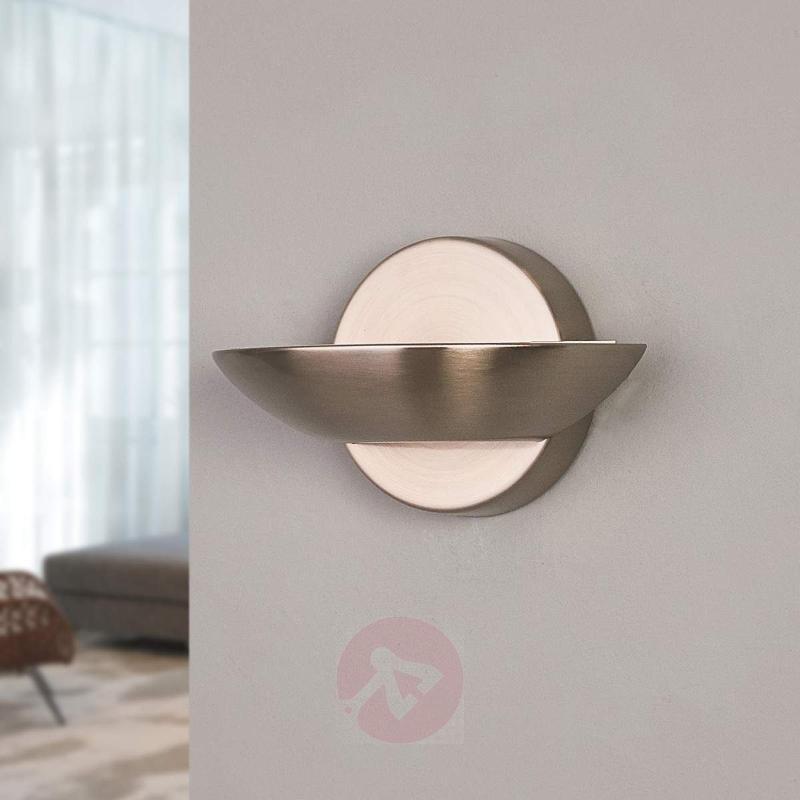 Beautifully-crafted Matti LED metal wall light - Wall Lights
