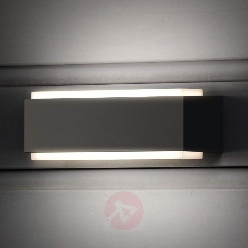 Warm white LED outdoor wall lamp Stratosphere - outdoor-led-lights