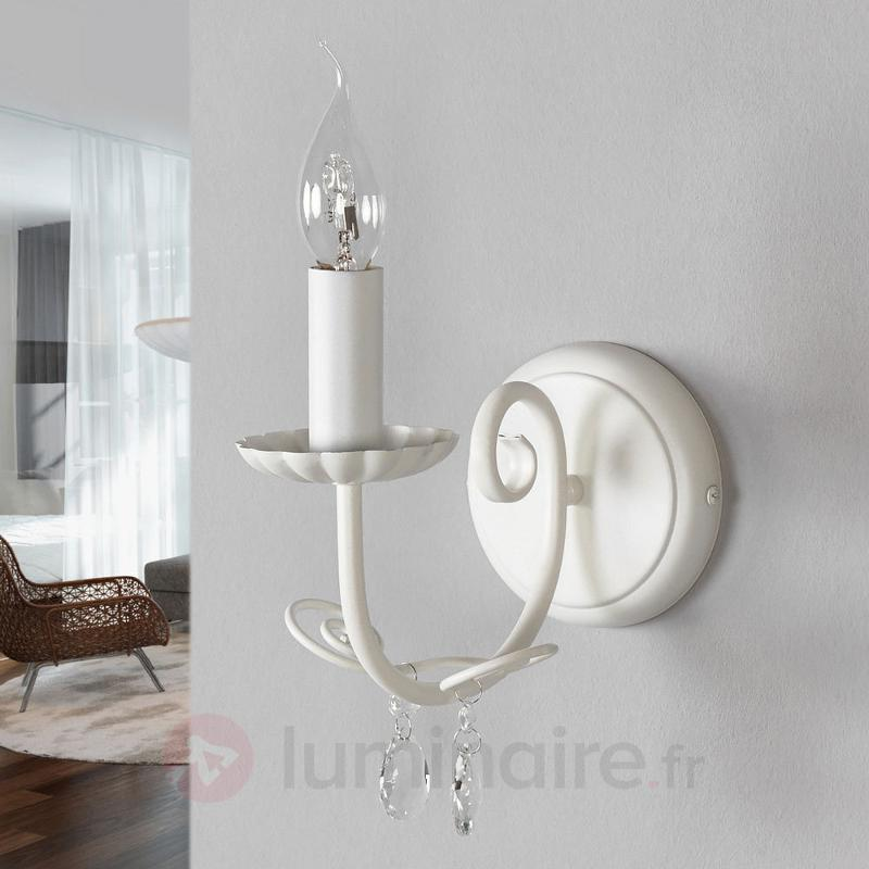Magnifique applique Sophina en blanc - Appliques classiques, antiques
