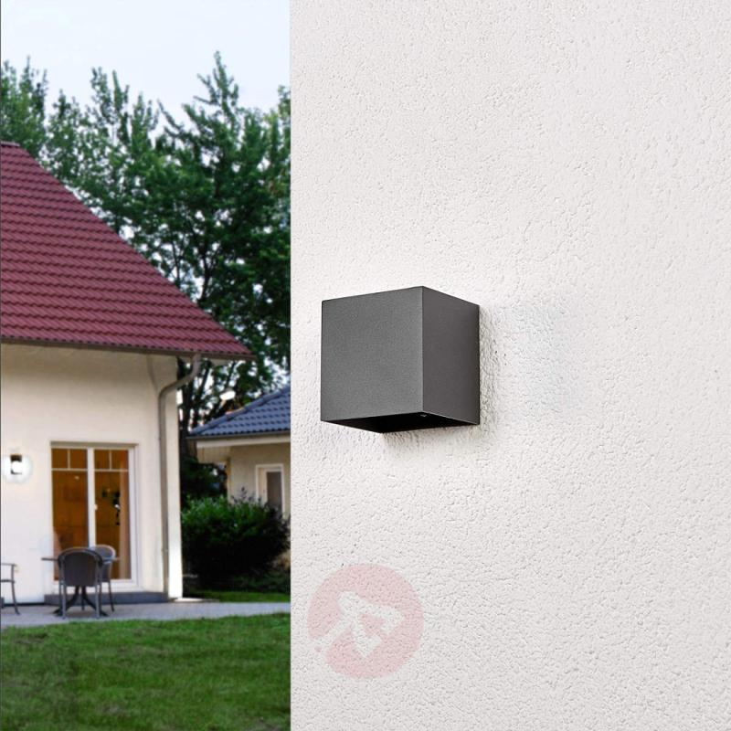 Angular LED outdoor wall lamp Evie - outdoor-led-lights