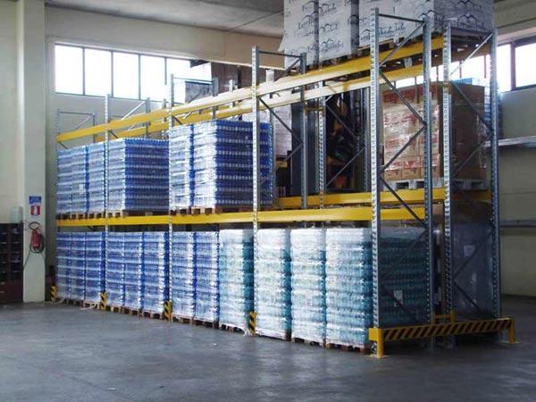 Scaffalatura portapallet - campate da L2700 con 2 livelli di carico ciascuno da 3770Kg