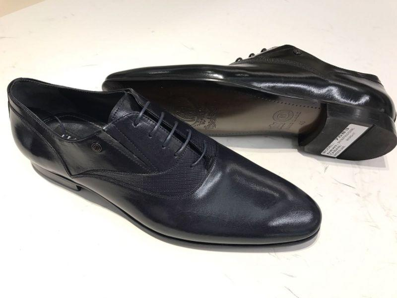 Genuine leather men shoes - High Quality