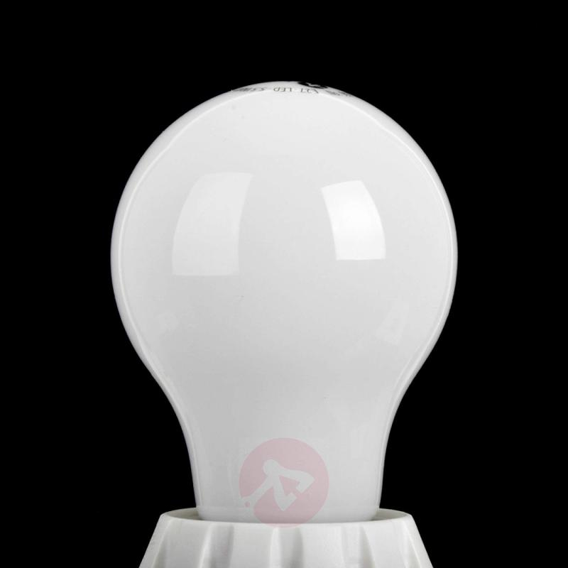 E27 5.5 W 827 LED light bulb, matt - light-bulbs