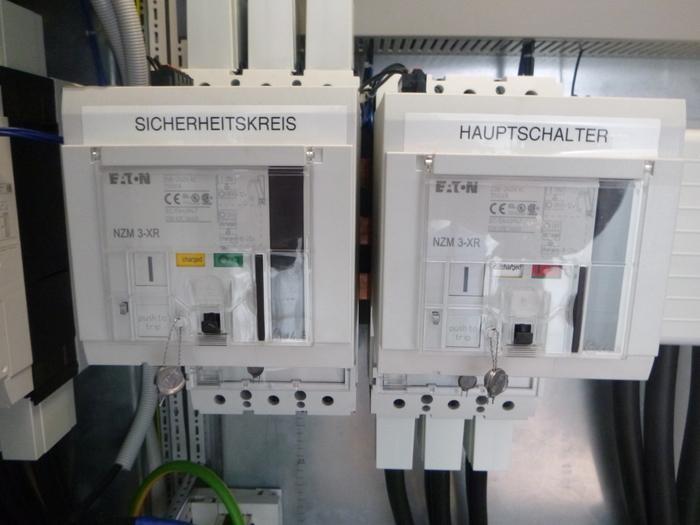 400 kVA x 2 + 600 kVA - null