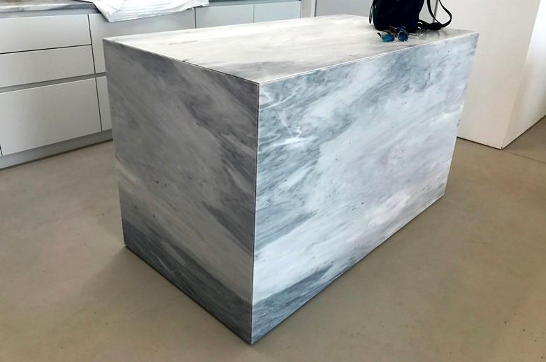 Marble kokkinaras vanity tops