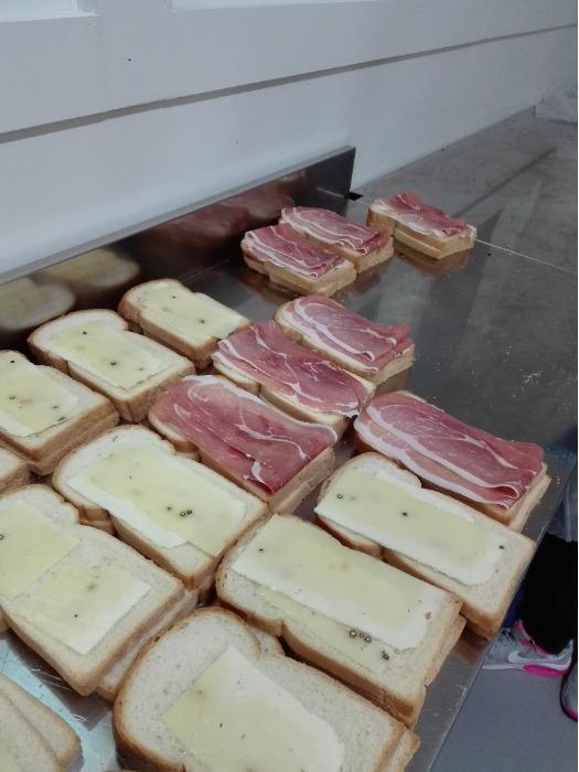 Panino fresco farcito fresco in ATM - Linea di panini freschi varie farciture in  ATM