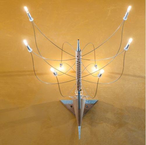 A S T R O N  - Lampada da parete