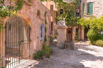 Französisch Sprachreisen mit DIALOG - Bei DIALOG Sprachreisen wählt man seinen persönlichen Französisch Sprachurlaub