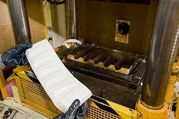 Stampaggio a compressione - Lavorazioni