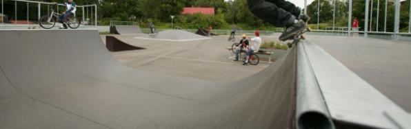 Skateboard ramps - null