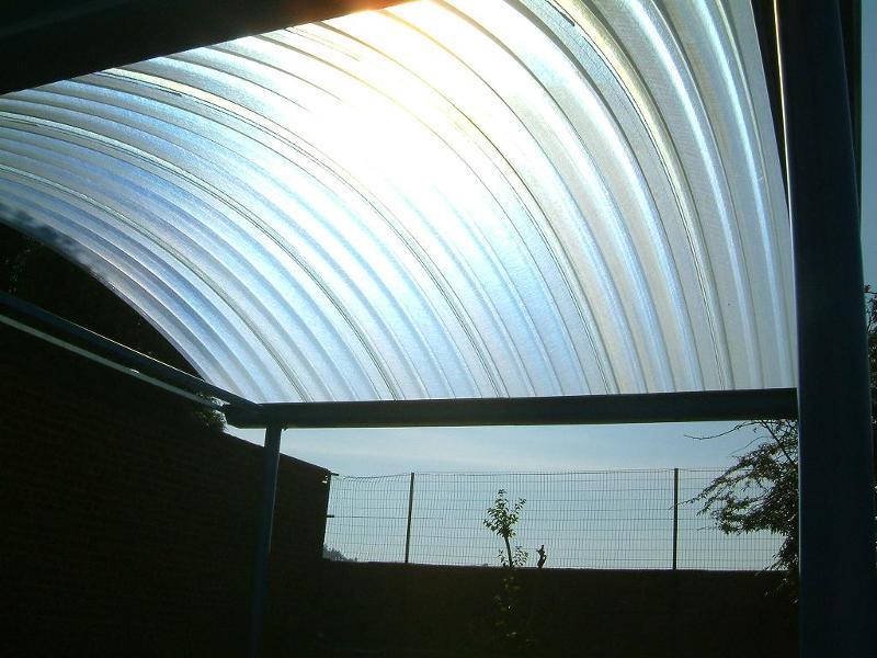 Préaux et auvents - Optimisez votre espace extérieur