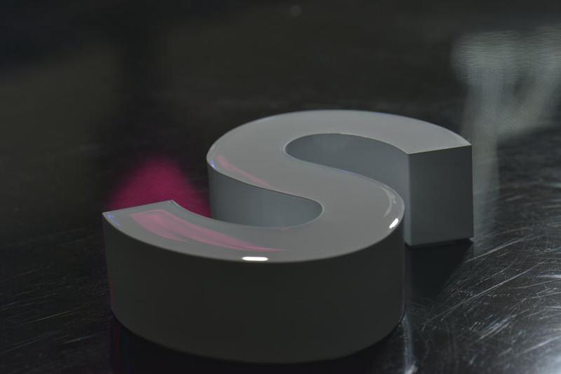 Resin Domino Sign Machine - RESIN