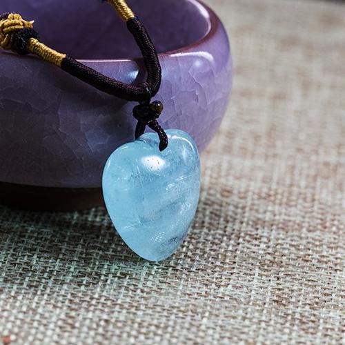 Natural aquamarine piezas talladas melocotón en forma de cor -