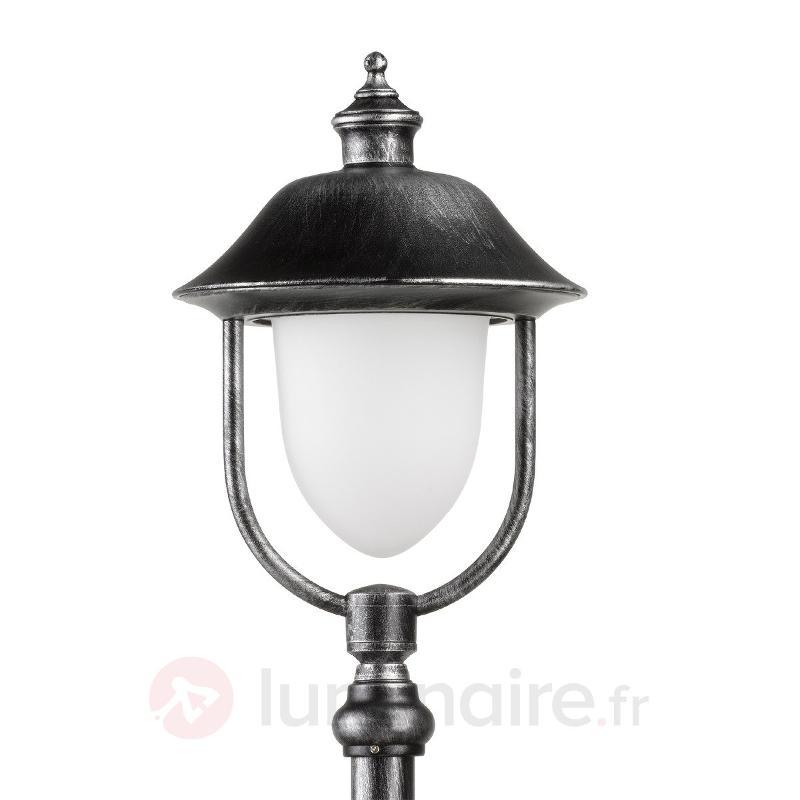 Borne lumineuse classico-moderne Perdita - Toutes les bornes lumineuses